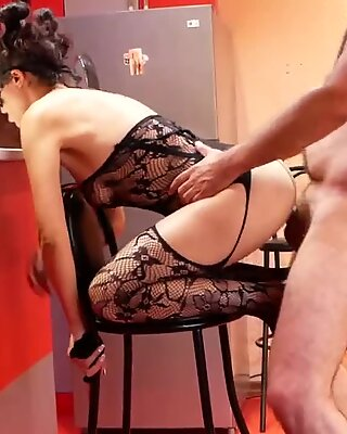 RIMJOB AND ANAL SEX WITH SEXY MILF