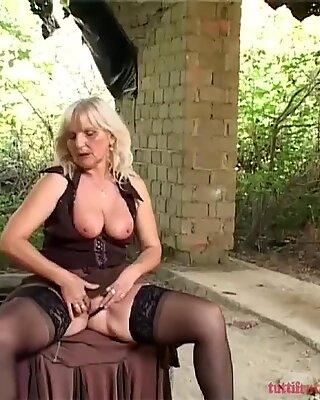 outdoor euro mature anal fun