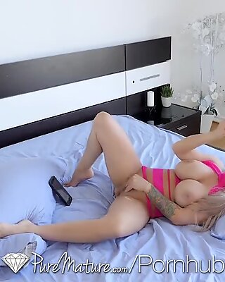 naughty sonnies porked by Stepmoms PUREMATURE