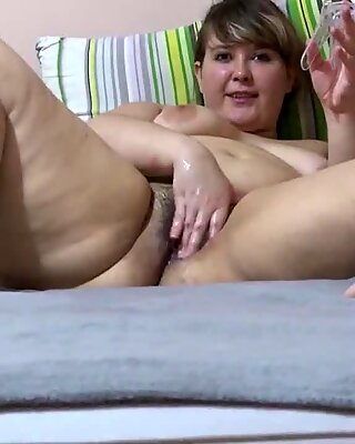 bbw humps hand, his large pussy! Fisting