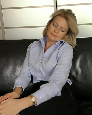 Mature Pussy On Leather Couch