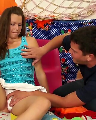 Brunette teen gets pussy fucked on the bed