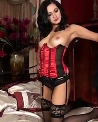 Hot mom in stockings play with her snatch